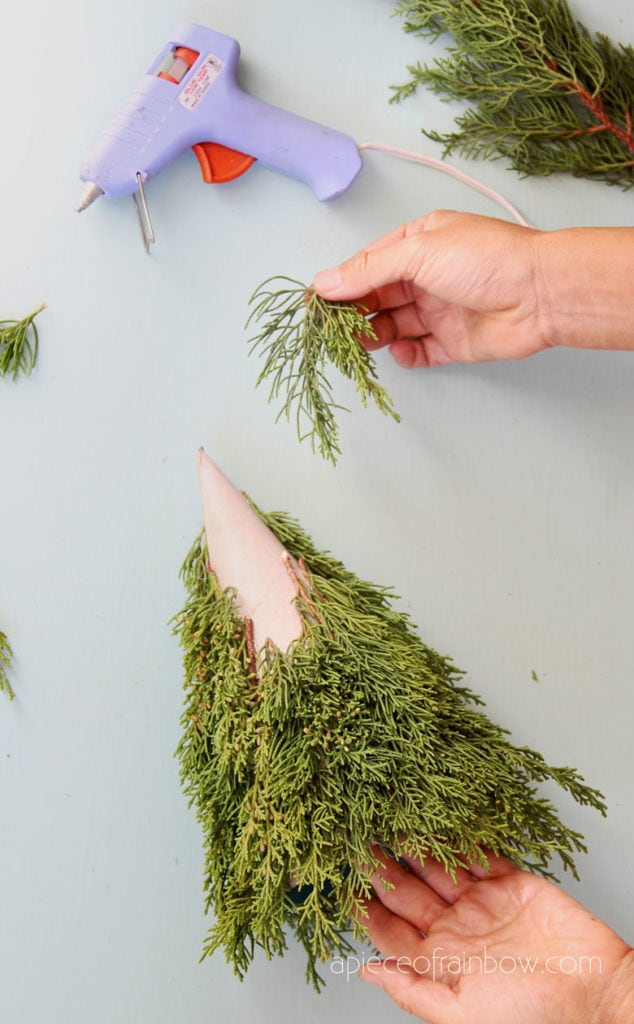 make mini tabletop Christmas tree with real branches
