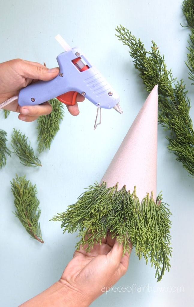 make a Christmas tree on a paper cardboard cone