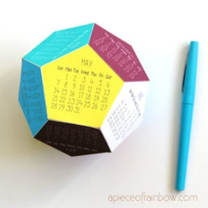 Easy paper craft DIY 3D 2021 calendar: unique modern desktop calendar! Free template