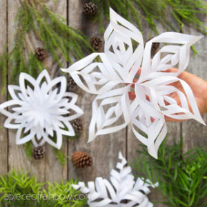 Make easy 3d paper snowflakes for beautiful winter & Christmas decorations. 3 free templates. Best paper crafts ideas for kids & family!